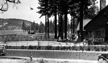 The Woodland Club had it's own golf course, tennis courts, bridal paths, a movie theater, and a unique figure eight shaped swimming pool. - Rick Keppler collection.