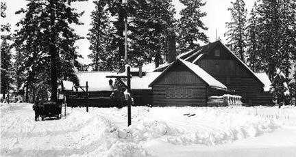 A rare winter view of the Peter Pan Woodland Club. - Rick Keppler collection.