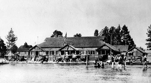 Built in the early 1220's, this was the first Stillwell's resort. - Rick Keppler collection.
